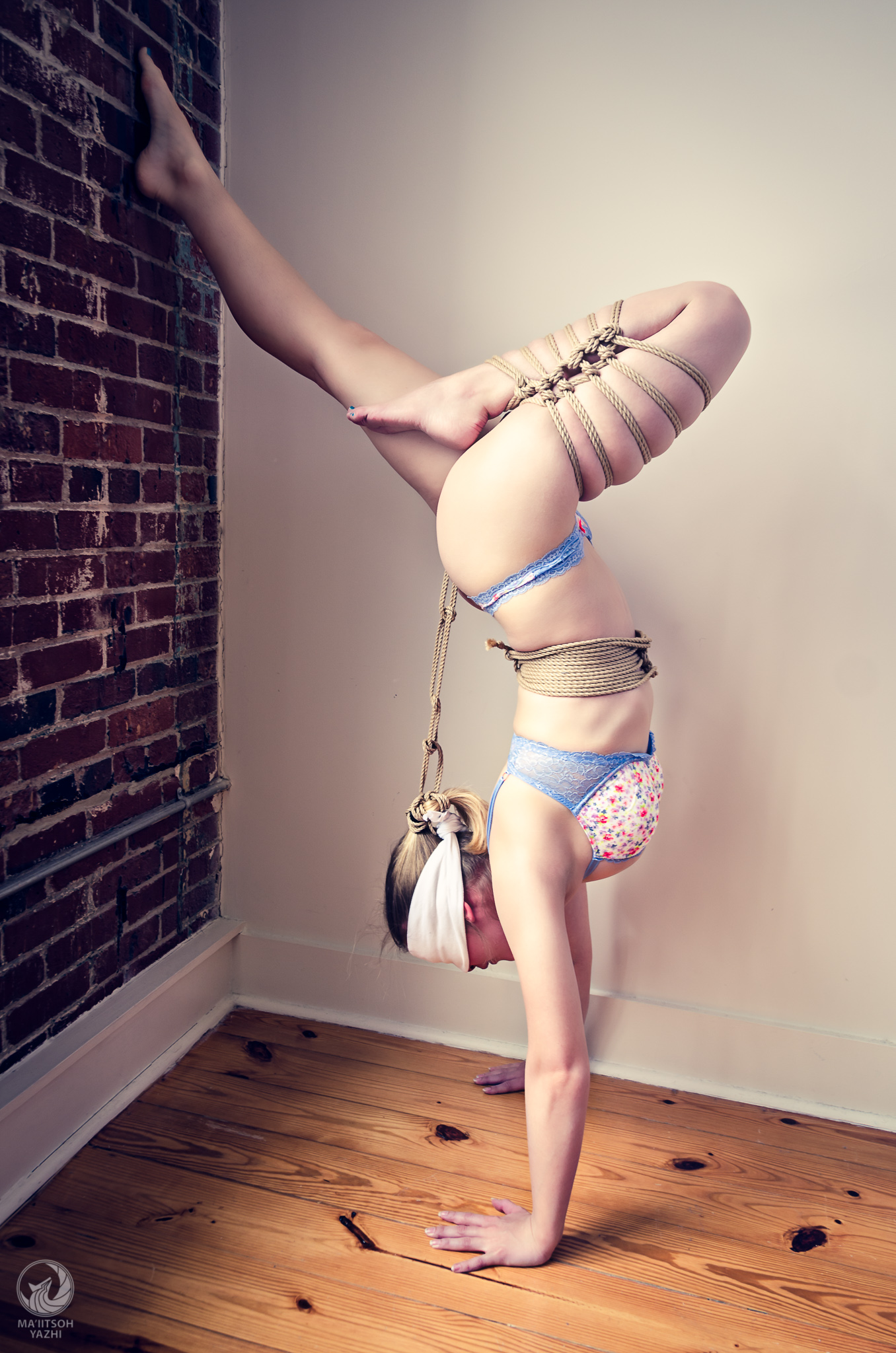 Handstand in Rope (Full Gallery)
